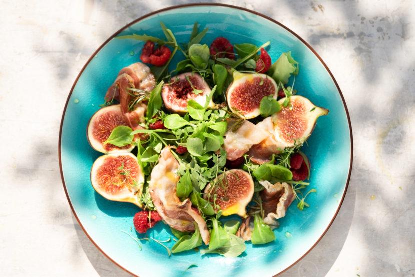 AIP salade met vijgen, frambozen en spek