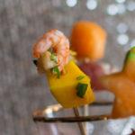 Hapje met mango en scampi
