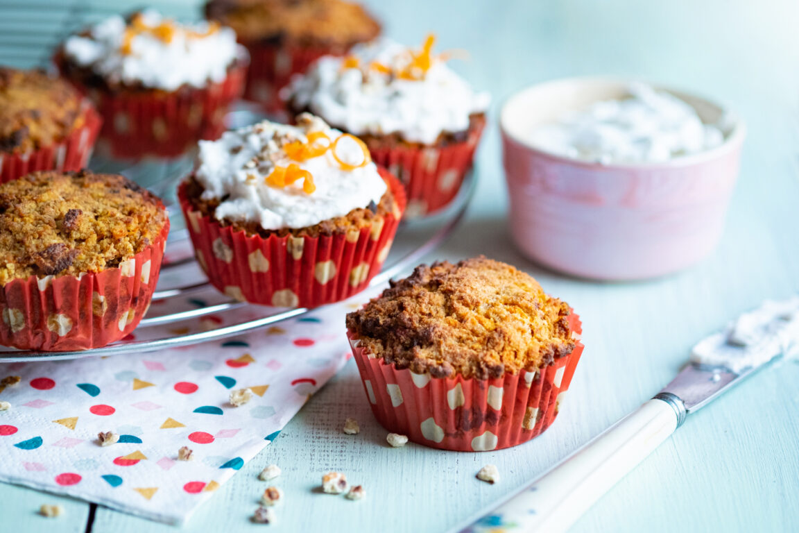 Wortelmuffins met pastinaak en abrikoos - vrij van gluten, zuivel en noten paleo AIP